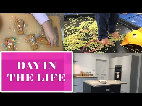 MESSY PLAY & MY NEW KITCHEN TOUR | DAY IN THE LIFE