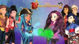 Mal Fights Uma for Auradon Harry and Gil fight Jay Carlos Evie Disney Descendants 2 doll episode 3