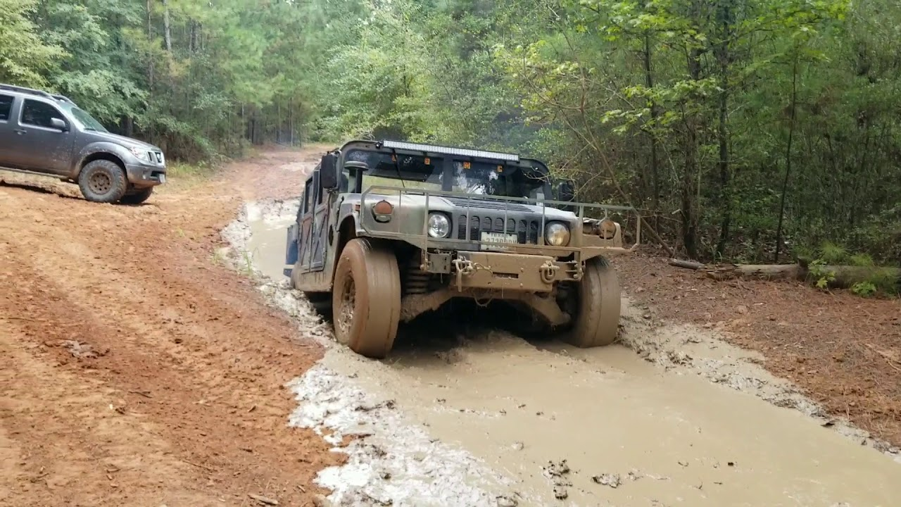 Frontier jeep and humvee at general sams off road park