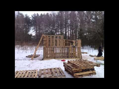 How to build a chicken coop out of pallets. (free lumber)