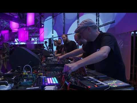 Live:js opening JSConf EU 2018