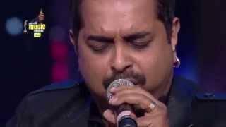 "Shankar Mahadevan performs ""Breathless"" LIVE at the 7th Mirchi Music Awards"