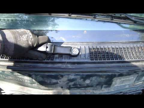 How to replace windshield wiper arms. Toyota Corolla years 2000 to 2010.