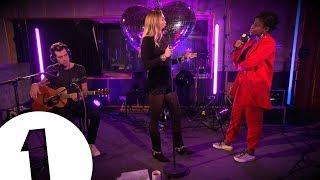 Radio 1's Clara Amfo Interviews Mark Ronson & Miley Cyrus
