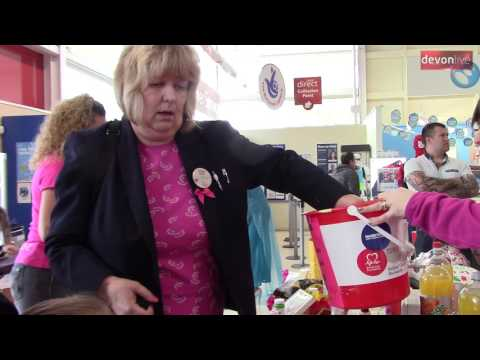 Tiverton Tesco go Pink for Cancer Research UK