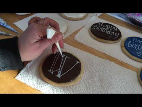 Lettering with Icing