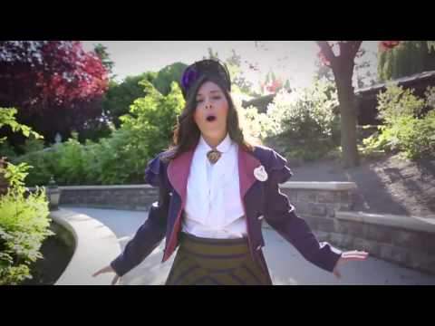 Disneyland Paris | Frozen Summer Fun – Cast Members zingen Let it go