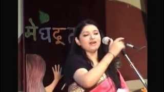 Mumtaz Naseem performing at KNIT Sultanpur (world`s best female poet)