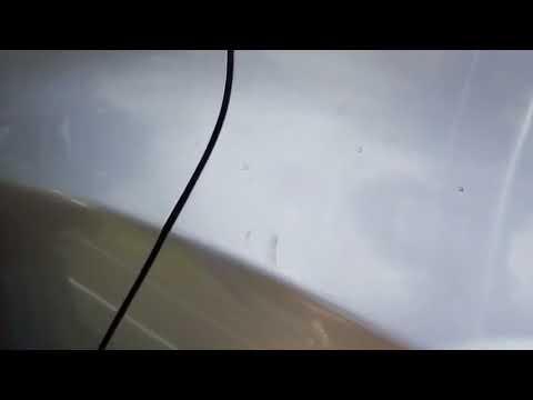 Remove sunscreen marks on car. Manchas de pantalla solar en coche