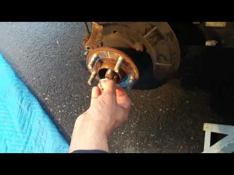 2013 Ford Escape wheel hub assembly change.