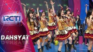 """RCTI Entertaiment Youtube Channel :  Program Variety Show dahSyat berkaitan dengan musik seperti Perform Artis, Video Klip, Deretan atau Chart Musik, dan Games yang berhubungan dengan musik. Adapun gimmick diluar musik adalah Gosip Selebriti, Trend Fashion, Hairstyle, komunitas dan memasak menjadi konten hiburan tambahan untuk pemirsa di Indonesia. ---------------------------------------------------------------------------------------------------- Official RCTI: https://www.youtube.com/user/RCTIOfficialChannel ENTERTAINMENT : https://youtube.com/channel/UCeM5Nksgv9_FXTuZ8jkPJPg INFOTAINMENT : https://youtube.com/channel/UC4yu5KnMvVX_seRuGzKQBZg LAYAR DRAMA INDONESIA : https://youtube.com/channel/UCzTsWuCdVP_vehWyGwPcS3Q ---------------------------------------------------------------------------------------------------- RCTI Indonesia Official Page: Mobile Site : http://rctimobile.com/m/ Homepage : http://www.rcti.tv/ Twitter : https://twitter.com/officialrcti Facebook : https://www.facebook.com/OfficialRCTI.TV/ Instagram : https://www.instagram.com/officialrcti/?hl=en ---------------------------------------------------------------------------------------------------- Saat ini RCTI merupakan stasiun televisi yang memiliki jangkauan terluas di Indonesia, melalui 48 stasiun relaynya program-program RCTI disaksikan oleh lebih dari 190,4 juta pemirsa yang tersebar di 478 kota di seluruh Nusantara, atau kira-kira 80,1% dari jumlah penduduk Indonesia. Kondisi demografi ini disertai rancangan program-program menarik diikuti rating yang bagus, menarik minat pengiklan untuk menayangkan promo mereka di RCTI.  Di RCTI, kualitas bukanlah kata tanpa makna, melainkan harmonisasi dari mimpi, idealisme, kesungguhan, kerja keras, kebersamaan, dan doa. 6 (enam) aspek tersebut tercermin dan mewarnai program-program RCTI yang mengusung motto """"Kebanggaan Bersama Milik Bangsa"""" namun tampil dalam kemasan yang """"oke"""". Kualitas program-program RCTI pada akhirnya mengantarkan RCTI untuk selalu"""