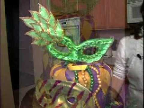 Mardi Gras Party Cake How To Decorate Mardigras Mask Cake Decorating Video Instructions Preview