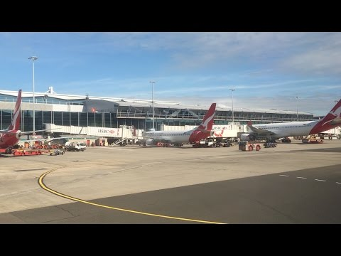 Flying - Take Off (Seat 1A) from Sydney International Airport (NSW, Australia) on QANTAS