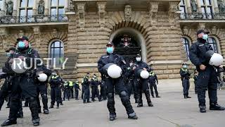 Germany: Arrests made as left and right-wing protesters clash in Hamburg