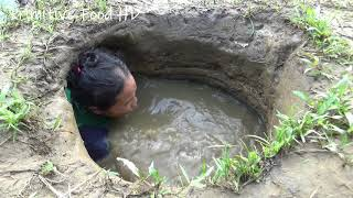 Download Hand Fishing ! Survival Skills Catching Fish in Hole Mud Water | Build Fish Trap From Deep Hole Video