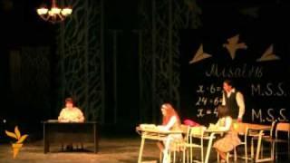 """Aprelin 22-də Gənc Tamaşaçılar Teatrında dramaturq Əli Əmirlinin """"M.S.S. -- Mən səni sevirəm"""" iki hissəli lirik komediyasının premyerası olub. Hazırladı: Durna"""