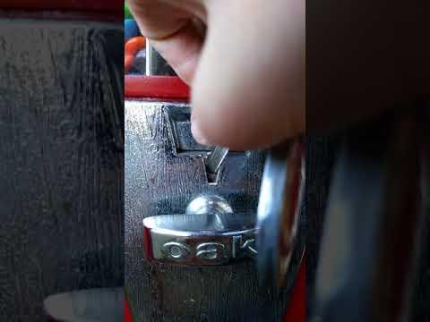 quarter stuck in candy machine
