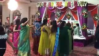 Kashmiri Song - Kashmiri Pandit in Mehendi Raat ( Maharaza Ho )