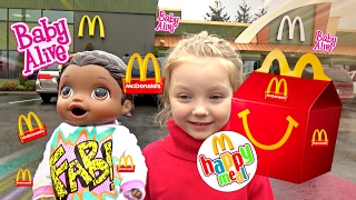 BABY ALIVE gets McDONALDS! Happy Meal SURPRISE! The Lilly and Mommy Show.  The TOYTASTIC Sisters