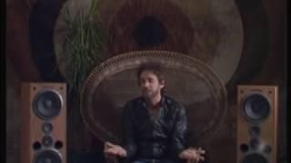 Gustavo Cerati - Me quedo aquí (Official Video)