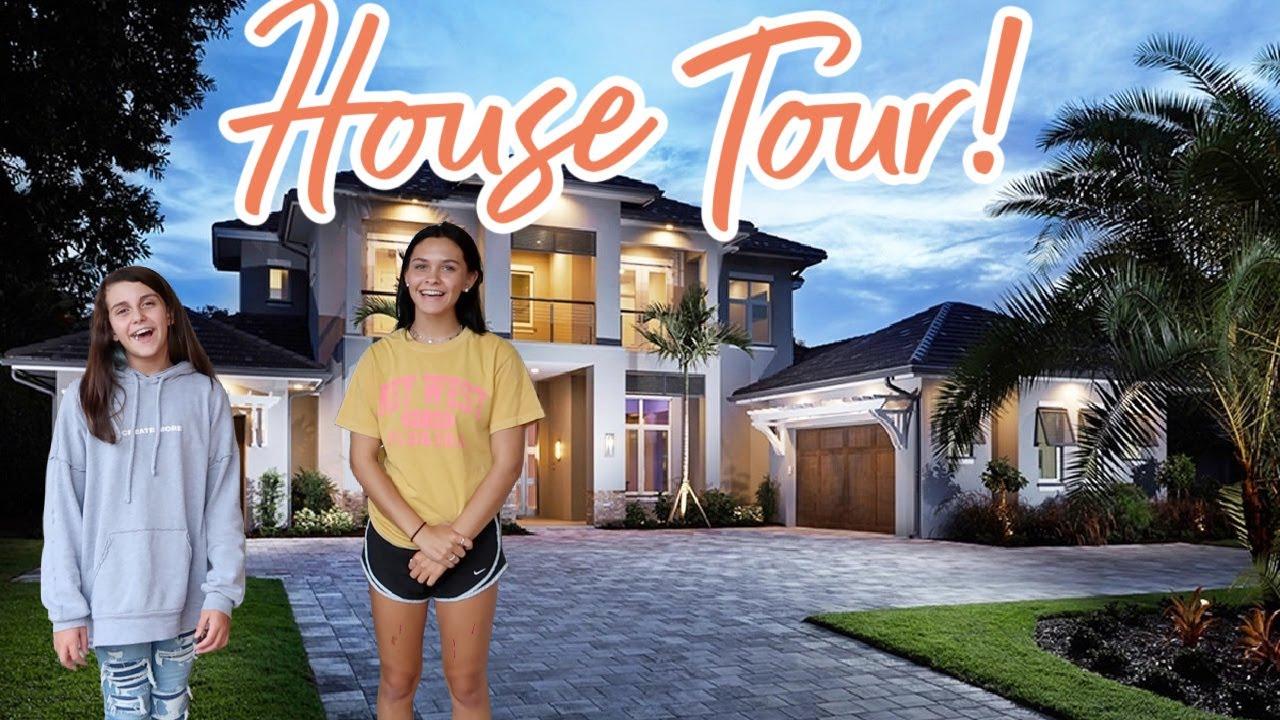 FULL HOUSE TOUR 2020! OUR NEW FARMHOUSE HOME TOUR! EMMA AND ELLIE