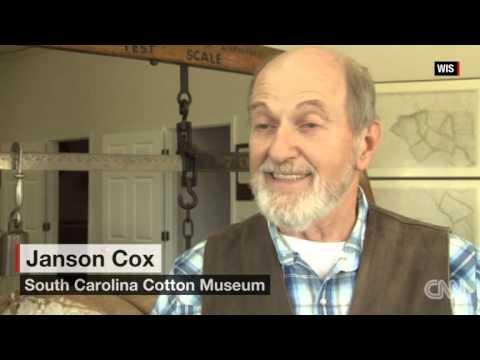 Lizard Man struts his stuff in South Carolina