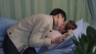 He can't stand another couple kissing, so he kisses his love also! 😂   About Is Love 大约是爱