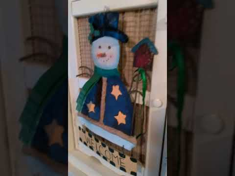 Your Christmas Home Tour of the Old Haunted House, Part 2