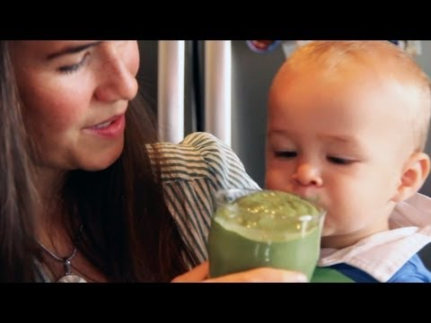 How to Make a Delicious Tropical Smoothie (That Babies LOVE)