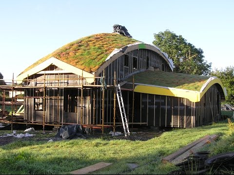 How We Built Our House – Part Two: The Grass Roof.