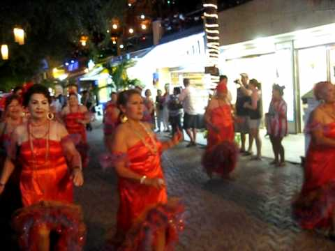 Carnaval Playa desfile 2012.AVI