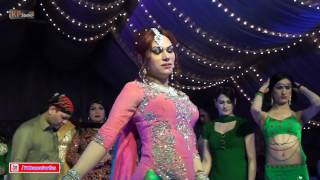 LUCKY LEONE TRADITIONAL PUNJABI MUJRA DANCE @ WEDDING PARTY 2016