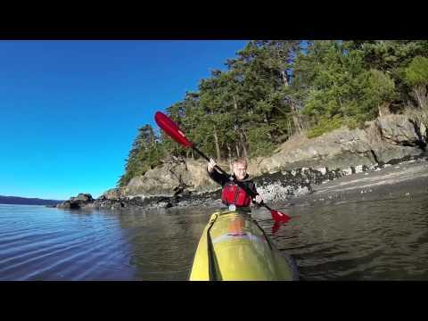 Kayaking around Goat Island