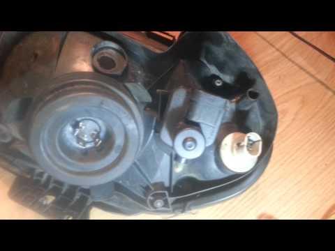 RENAUL CLIO II PASSENGER FRONT LEFT HEADLIGHT CLUSTER LAMP 14720700LI 14282300