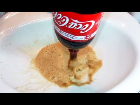 3 Different ways How to Unclog Dirty Sink with CoCa CoLa, Vinegar and Baking Soda :)