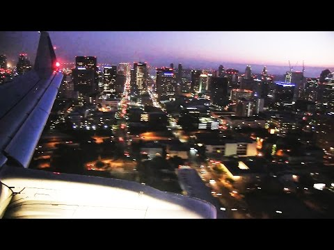 American Airlines E175 Night Landing San Diego