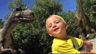 3 Year Old Meets DINOSAURS!