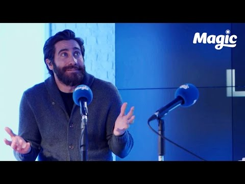 Jake Gyllenhaal: Dog walking is better in London!