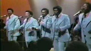 Download The Spinners - Could It Be I'm Falling In Love - Live 1973 Video