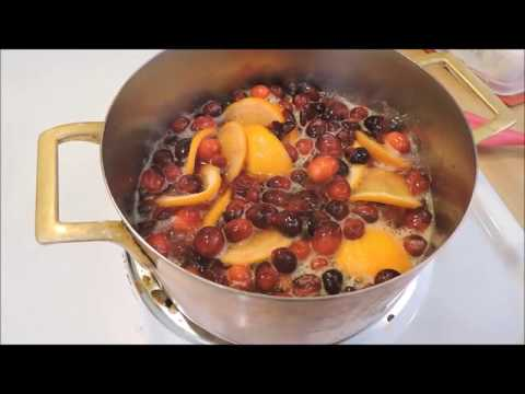 How to Make Cranberry Sauce, Simple, Delicious Cranberry Sauce Recipe