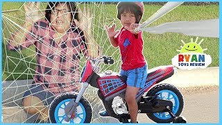 SPIDERMAN HOMECOMING MOVIE TOYS SURPRISE HUNT for Kids + Spider-man MotorBike Power Wheels Unboxing