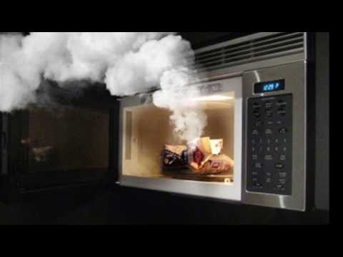 HOW TO CLEAN POPCORN SMELL IN THE MICROWAVE - BY HAPPY TWIRL