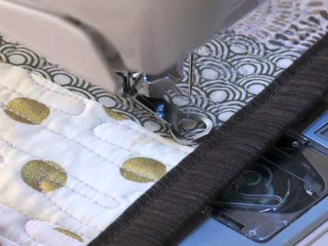 SINGER® MODERN QUILTER™ 8500Q Sewing Machine Thread Cutter