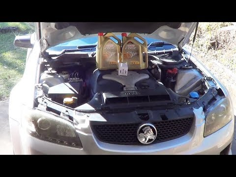 Holden VE Commodore V6 Alloytec Oil Service
