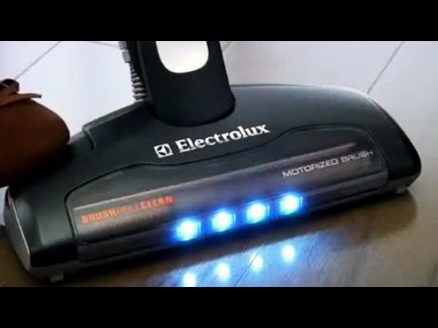 Electrolux ErgoRapido Brushroll Clean Bagless 2-in-1 Stick/Hand Vacuum - EL1061A