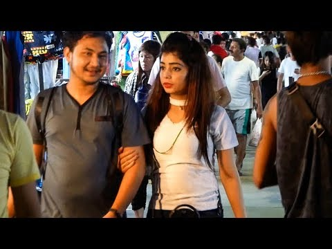 Pratunam at Night - Bangkok VLOG 50