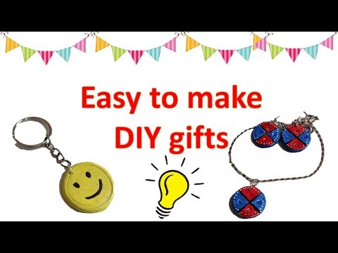 DIY |Airdry clay crafts | DIY KEYCHAIN | HOW TO MAKE EARRINGS AND A PENDANT| DIY JEWELLERY|diy gift