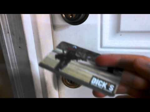 How to open locked door with credit card