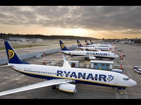 Ryanair B738 take-off at Rome Ciampino (Beautiful view of Rome)