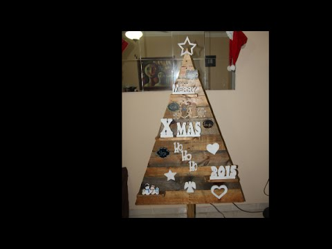 DIY Wood Pallet  Christmas Tree and Ornaments